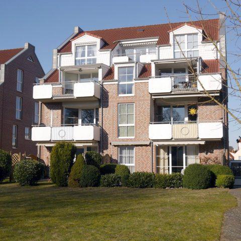 helle dachgeschoss wohnung mit balkon im zentrum von. Black Bedroom Furniture Sets. Home Design Ideas